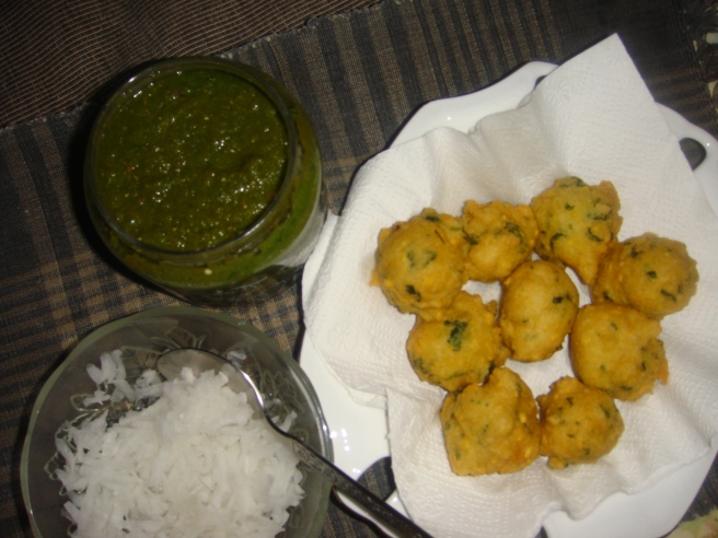 Moong dal pakori with muli